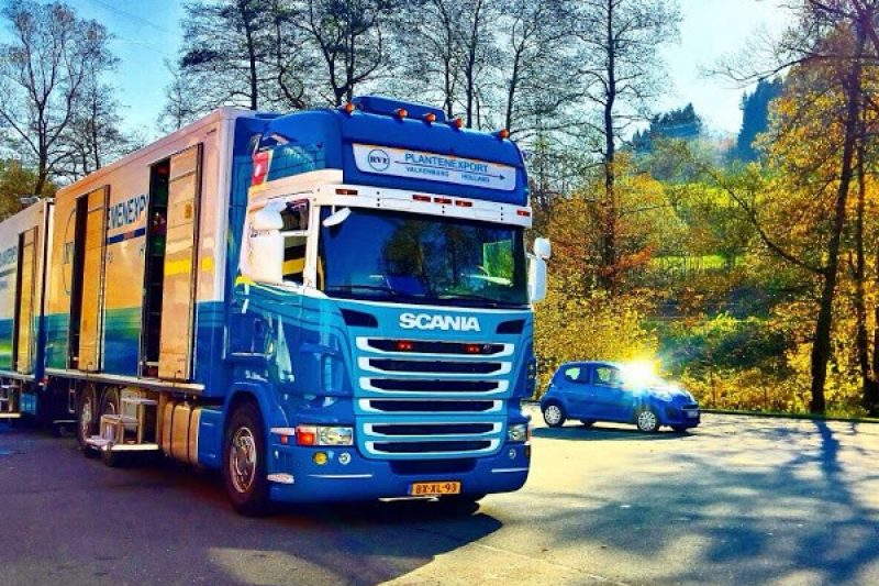 In duitsland met vrachtwagen RVE PLANTENHANDEL